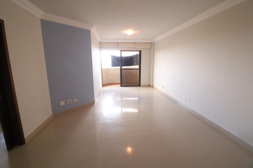 Maringa Apartamento Locacao R$ 1.900,00 Condominio R$700,00 3 Dormitorios 1 Suite Area construida 109.68m2