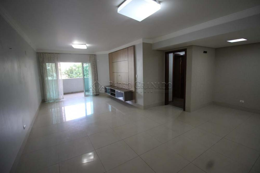 Maringa Apartamento Locacao R$ 2.800,00 Condominio R$1.400,00 3 Dormitorios 3 Suites Area construida 180.00m2