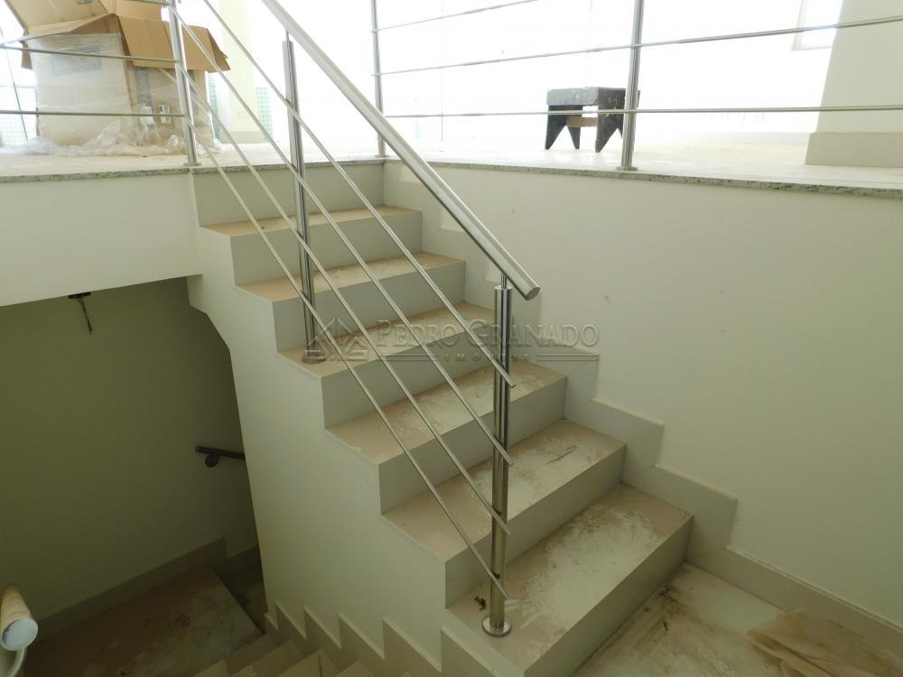 Maringa Apartamento Locacao R$ 3.000,00 Condominio R$1.000,00 3 Dormitorios 3 Suites Area construida 160.00m2