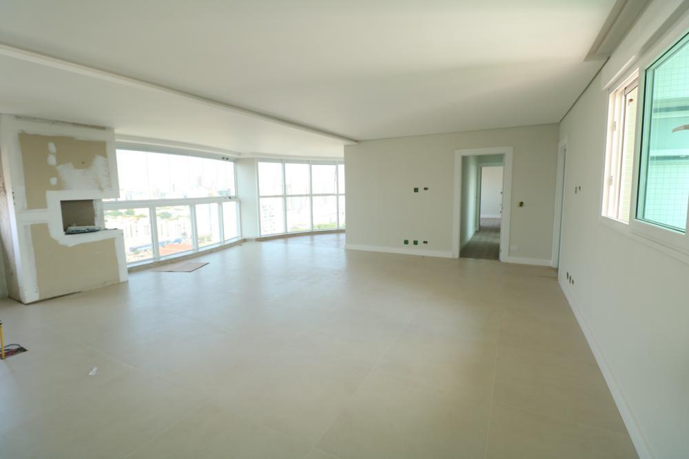 Maringa Apartamento Locacao R$ 3.500,00 Condominio R$900,00 3 Dormitorios 3 Suites Area construida 140.00m2