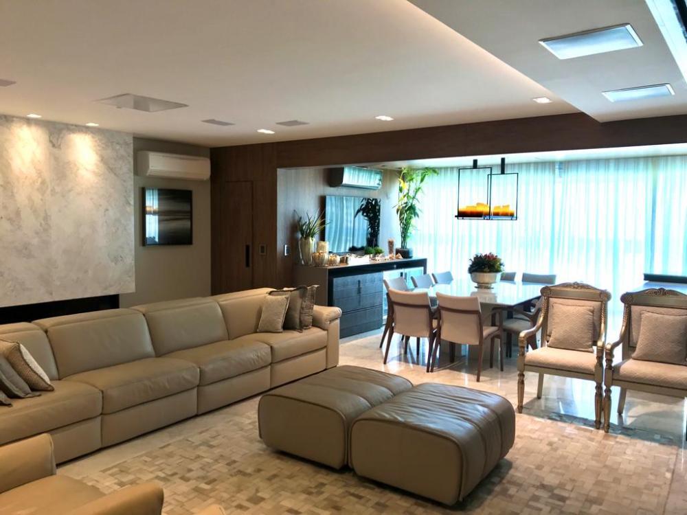 Maringa Apartamento Venda R$2.835.000,00 Condominio R$1.780,00 3 Dormitorios 3 Suites Area construida 221.88m2