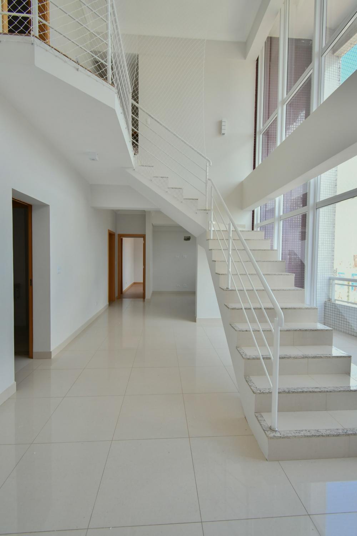 Maringa Apartamento Venda R$1.200.000,00 Condominio R$1.100,00 4 Dormitorios 3 Suites Area construida 176.80m2