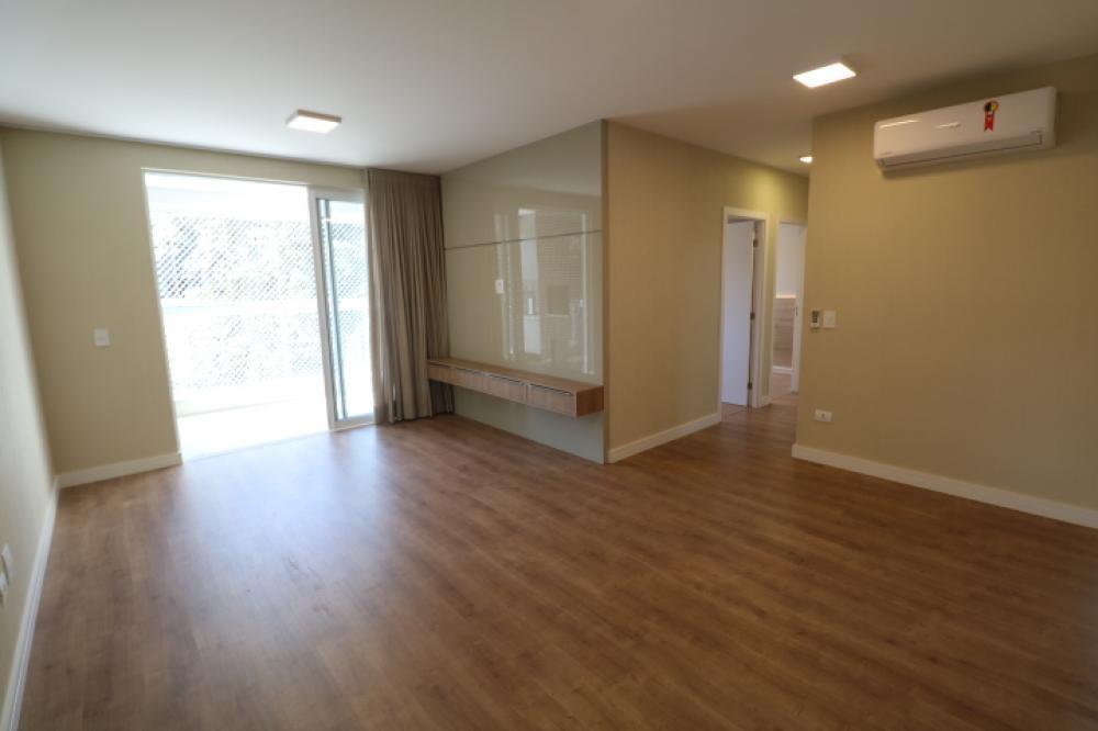 Maringa Apartamento Locacao R$ 3.100,00 Condominio R$400,00 3 Dormitorios 1 Suite Area construida 101.00m2