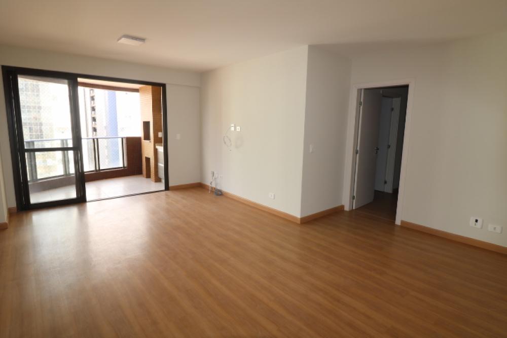 Maringa Apartamento Locacao R$ 2.850,00 Condominio R$700,00 3 Dormitorios 2 Suites Area construida 121.17m2