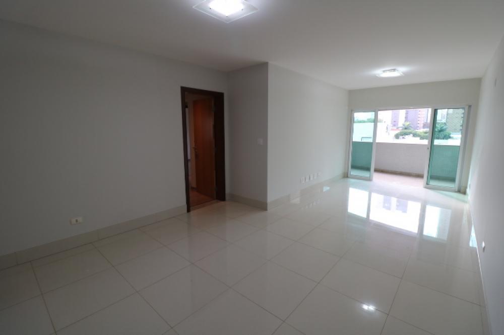 Maringa Apartamento Locacao R$ 2.200,00 Condominio R$1.381,00 4 Dormitorios 2 Suites Area construida 180.00m2