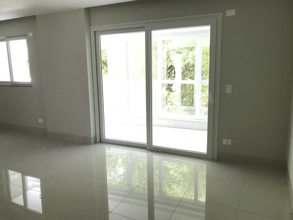 Maringa Apartamento Venda R$950.000,00 Condominio R$530,00 3 Dormitorios 3 Suites Area construida 130.56m2