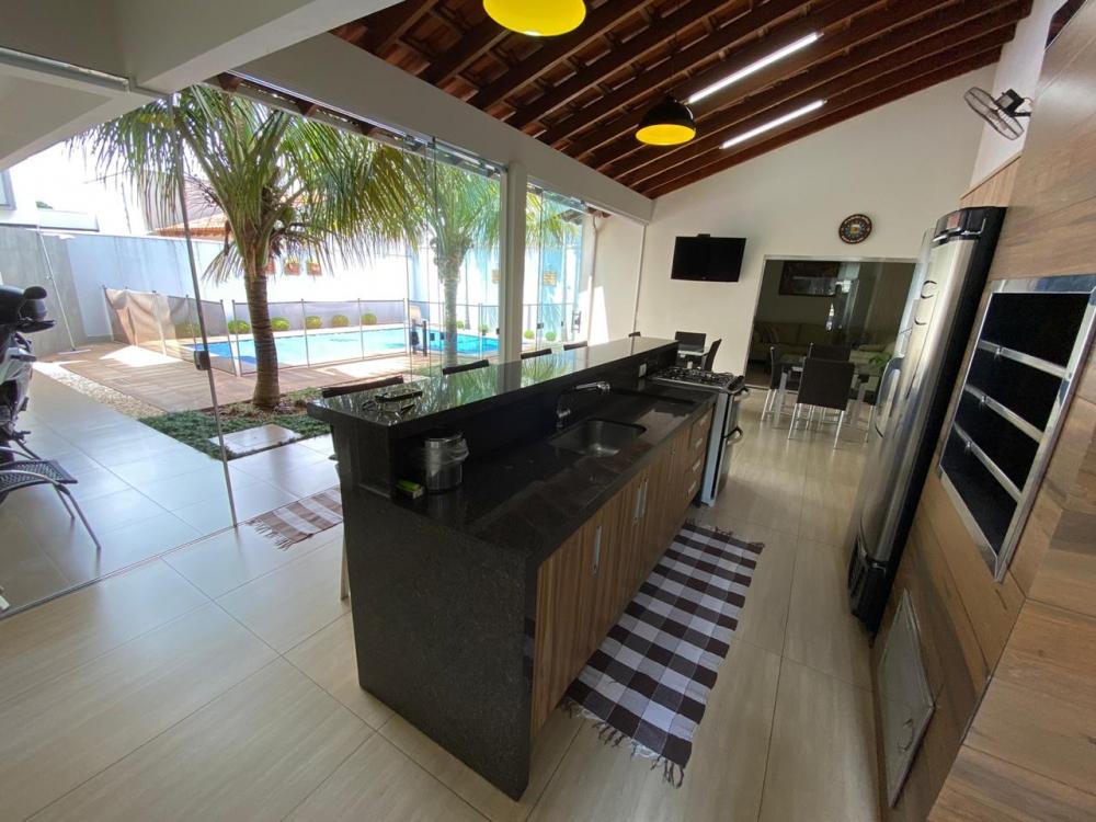Maringa Casa Venda R$950.000,00 4 Dormitorios 2 Suites Area do terreno 394.40m2 Area construida 353.44m2