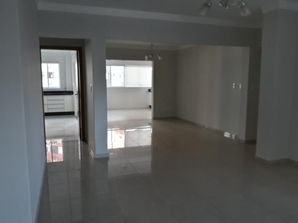 Maringa Apartamento Locacao R$ 4.000,00 3 Dormitorios 3 Suites Area construida 237.00m2