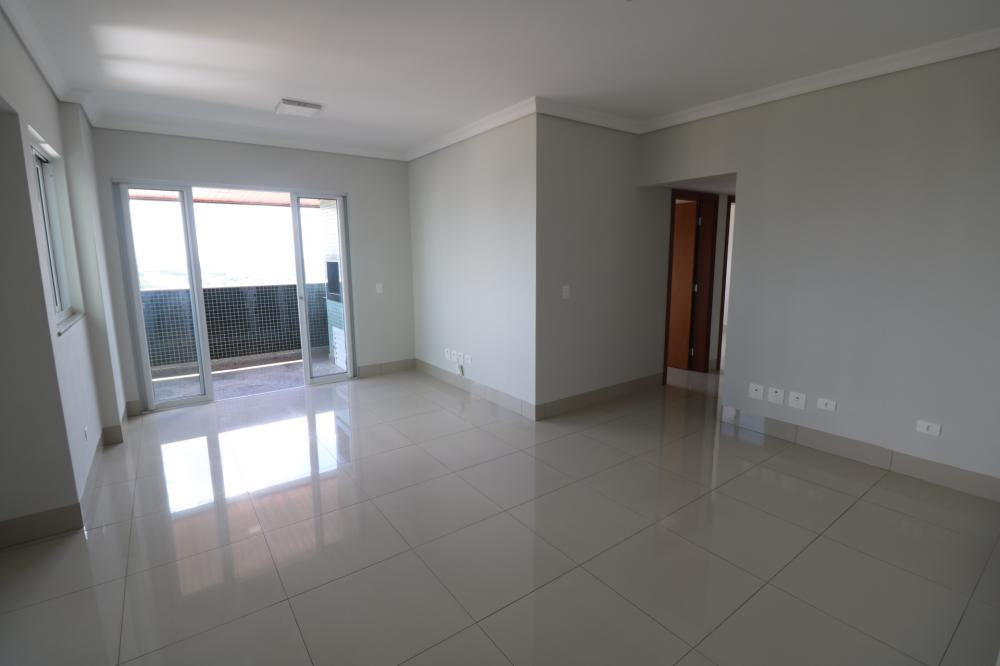 Maringa Apartamento Locacao R$ 2.100,00 Condominio R$526,87 3 Dormitorios 1 Suite Area construida 111.00m2